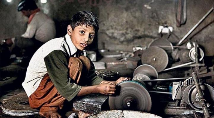 """Çıraklık Adı Altında Çalışan """"Çocuk İşçiler""""* – Av. Sinan Derman (HukukveÖtesi)"""